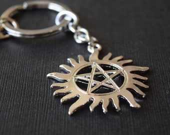 Anti-Possession Charm Keychain - SilverTone - Supernatural Inspired Aluminum Keychain Fob - Occult - Protection - Pagan - Wiccan - Pentagram
