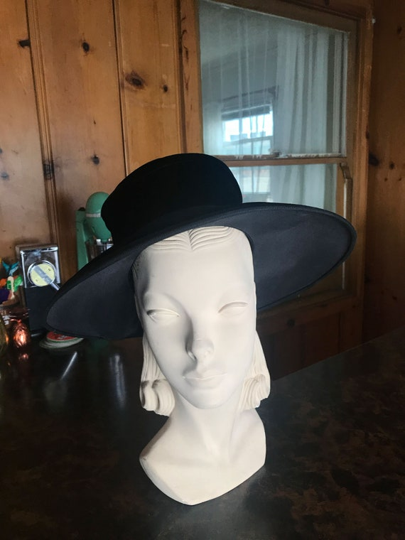 1950s Velvet Wide Brim Hat - image 1