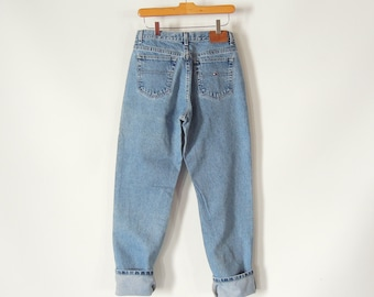 eb9c2d92 Tommy Hilfiger jeans Leather Logo Late 90's era size women's 8 Long Faded  perfectly Slight taper 30