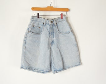 c0e4c26b7 Women's Denim shorts High Waisted Faded Weathered Shorts 90's era vintage  Size 7 with a 27