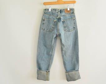 489c8f1ed Gap Jeans Boy Fit Ankle Women s Size 0 90 s Era Button fly Faded Vintage Gap  Jeans 27