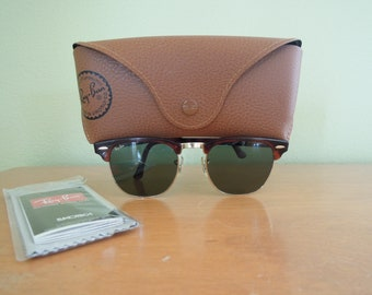 98b7116e37c Vintage Ray Ban Clubmaster Sunglasses Bausch   Lomb Clubmaster Tortoise  Shell Retro Authentic with Case
