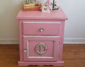 Beau PINK Nightstand Side Table Kidu0027s Room Shabby Chic Bed Room Furniture Home  Decor