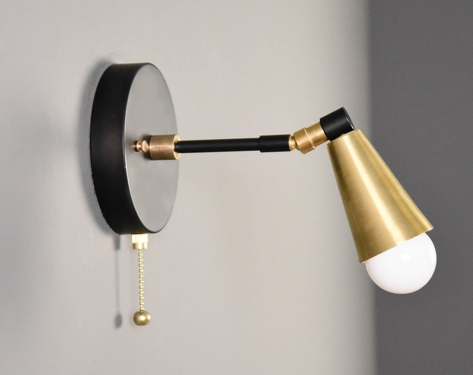 Pull Chain Light - Wall Sconce - Black & Brass - Mid Century - Modern - Industrial - Adjustable - Bedside Light - Wall Light [HAYDEN]