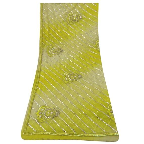 36198de4edf6 ... Recyclé indienne traditionnel indienne Recyclé Dupatta longue étole  Georgette jaunes perlée à la main foulards voile ...