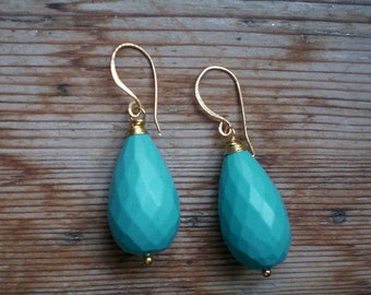 Turquoise earrings // turquoise drops // turquoise jewelry // turquoise accessories // turquoise dangle
