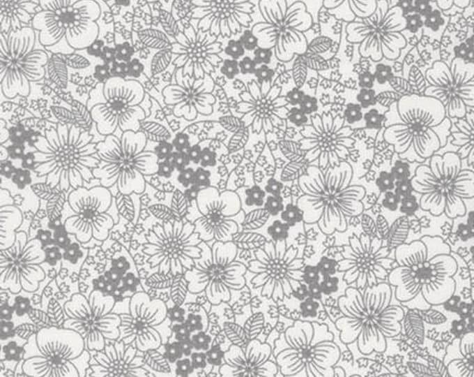 London Calling Lawn 6 - Flowers Grey - 1/2 yard