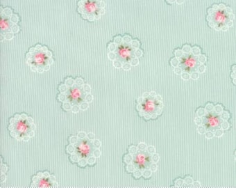 Caroline -  Daily Roses Aqua 1865212 - 1/2yd