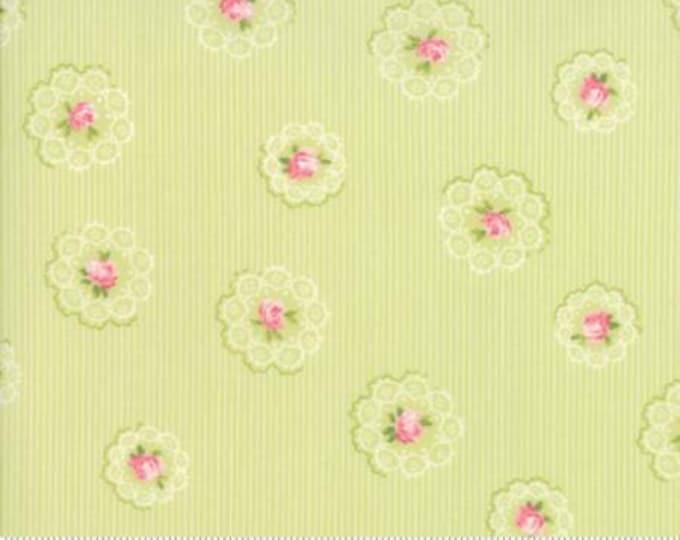 Caroline -  Daily Roses Lt Green 1865214 - 1/2yd
