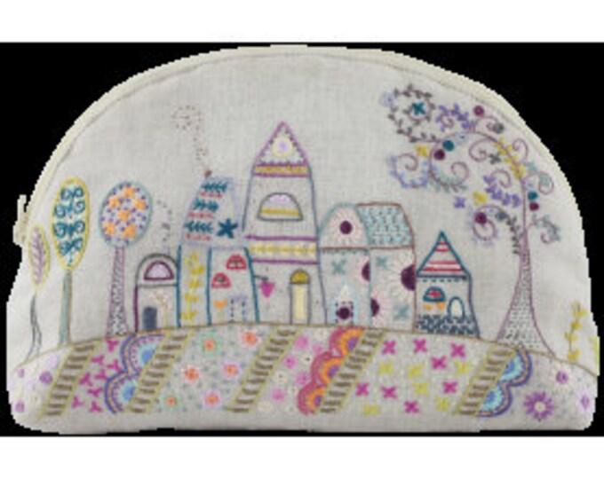 Maisons - Large Pouch - Embroidery Kit - Une Chat dans l'Aiguille