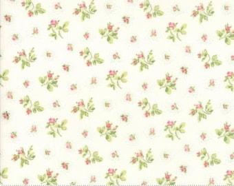 Caroline -  Rosebuds White 1865311 - 1/2yd