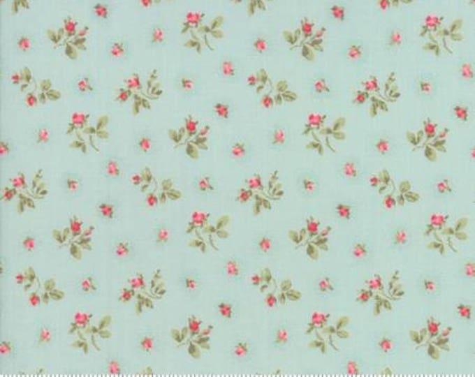 Caroline -  Rosebuds Aqua 1865312 - 1/2yd