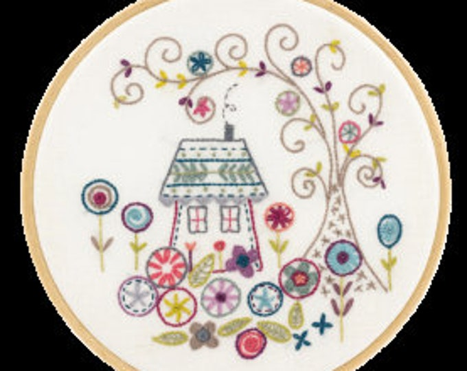 The Enchanted Forest - Embroidery Kit - Une Chat dans l'Aiguille