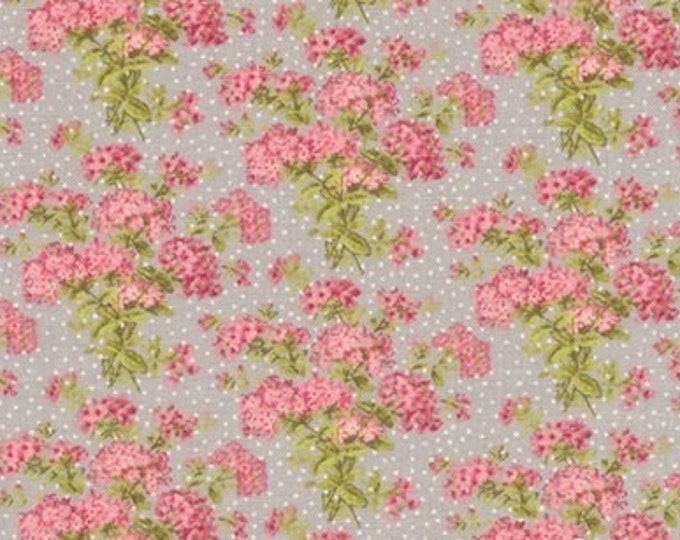 Bespoke Blooms Hydrangea Pebble Grey - 1/2yd