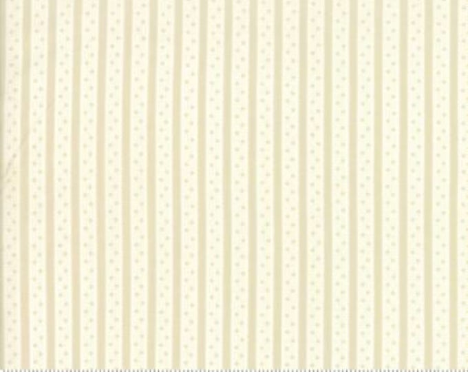 Caroline -  Ticking Stripe White 1865614 - 1/2yd