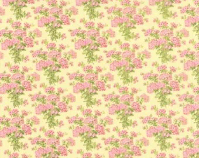 Bespoke Blooms Hydrangea Yellow - 1/2yd