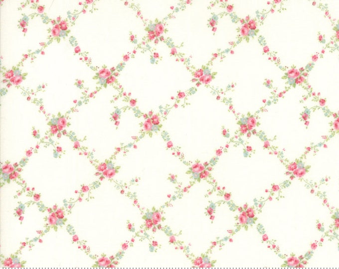 Caroline -  Lattice White 1865111 - 1/2yd