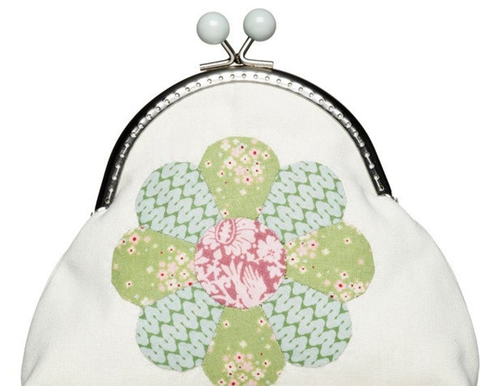 TILDA Flower Purse (6 x 7 ins)