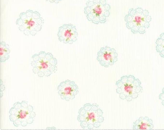 Caroline -  Daily Roses White 1865211 - 1/2yd