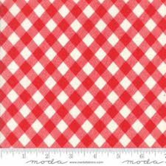 Bonnie and Camille Basics - Red White Gingham 5512431 - 1/2yd