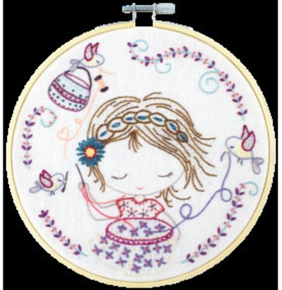 Salome Stitches - Embroidery Kit - Un Chat dans l'Aiguille