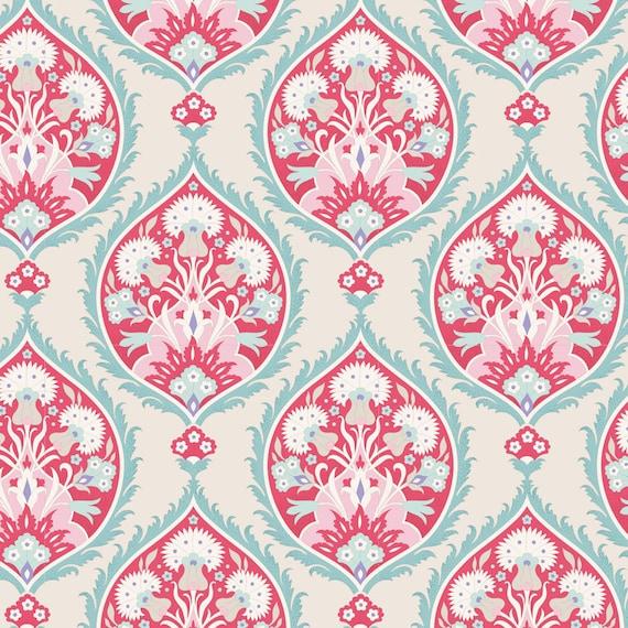 TILDA Bon Voyage - Flowerleaf Red 100253 - Fat Quarter