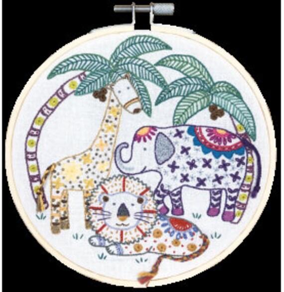 In the Jungle - Embroidery Kit - Un Chat dans l'Aiguille