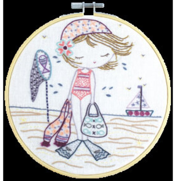 Salome Goes to the Beach - Embroidery Kit - Un Chat dans l'Aiguille