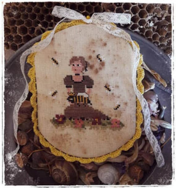 Queen Bee - Fairy Wool in the Wood - Cross Stitch Chart
