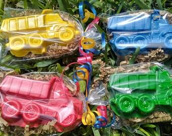 20 dump truck crayons/  construction party favors/ construction birthday party/transportation party/dump truck birthday/dump truck party