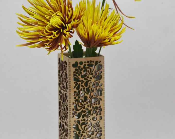 Floral Groove Vase