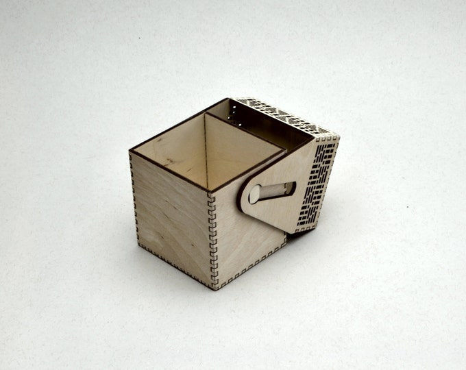 Fantasy Deck Tournament Card Holder with Geometric Design