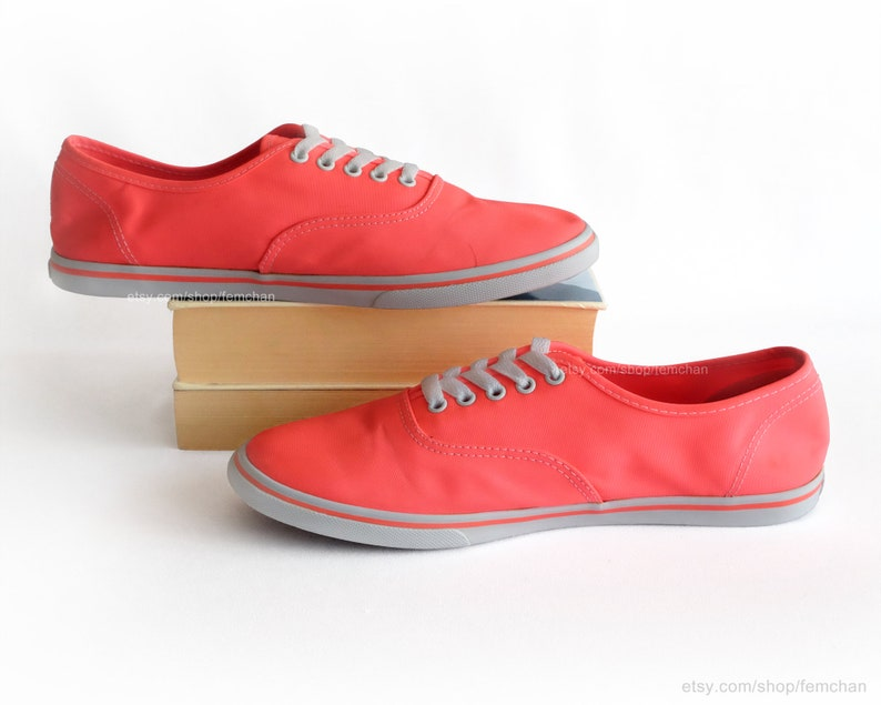 17c9a464e4dfa Vans Authentic Lo Pro, vintage skate shoes, neon red, fluo pink sneakers,  low tops, festival shoes, size eu 40,5 (UK 7, US men 8, US wo 9.5)