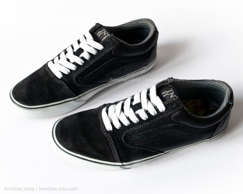 8a67c34c8f Vans TNT 5 Trujillo skate shoes black suede low tops vintage