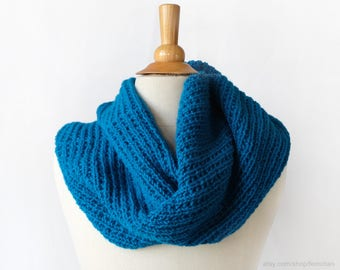 Knit infinity scarf - Cozy circle scarf - Head scarf wrap - Oversized turquoise scarf - Chunky knitted cowl - Soft neck warmer in vegan wool