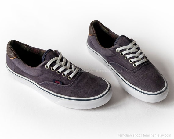 9f1cf416738b8c Vans Era skate shoes in dark blue corduroy with leather