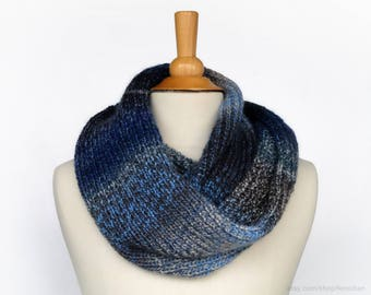 Tie dye infinity scarf - Ombré wrap scarf - Oversized knit snood - Soft vegan-friendly circle scarf - Knitted muffler - Cozy winter cowl