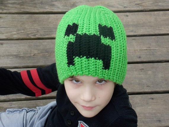 Green and Black Pixeled Creature Creeper Minecraft Hat Beanie Stocking Cap  Costume d7bc1bf6fb8