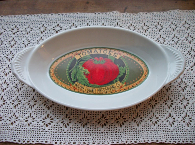 2 MANN Fine China Country Vegetable Advertising Nesting Casserole Dishes ~ Farmhouse Baking Dishes ~ Tomato /& Peas ~ Oven Safe 2 Sizes.