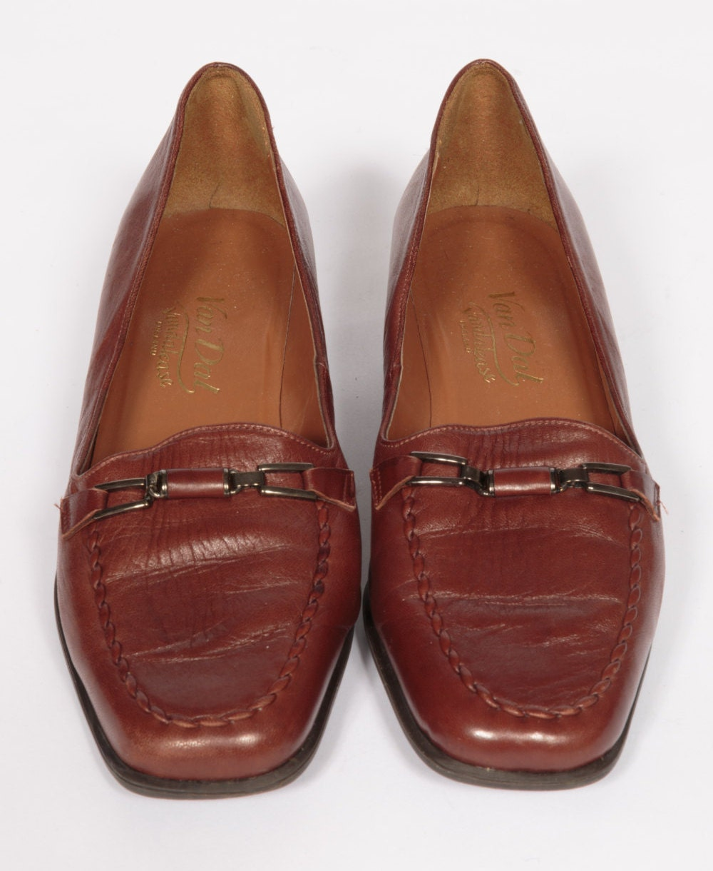 Beautiful classic ladies Van Dal brown leather shoes UK Size 4.5