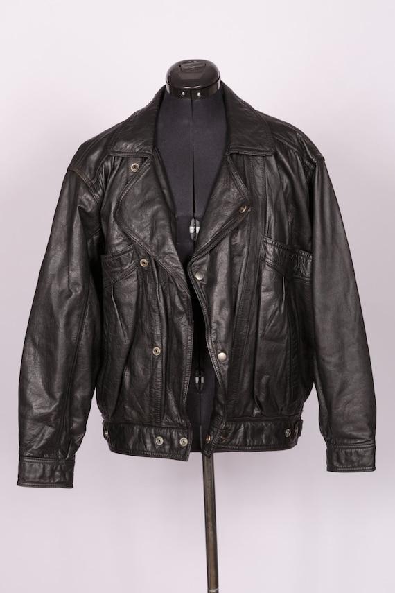Gorgeous vintage black leather biker jacket Size S