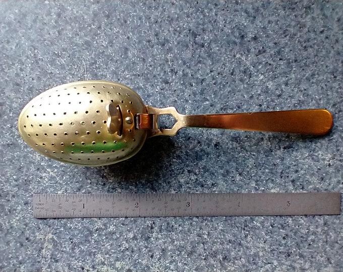 "English Brass Tea Infuser ""Spoon"""