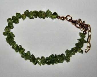 NATURAL PERIDOT CHIP bracelet