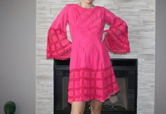 SM - 60's Hot Pink Pheasant Bell Sleeve Dress