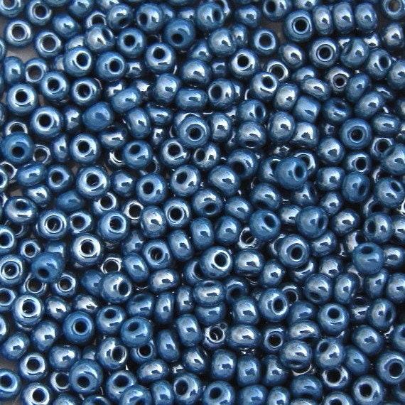 Perles de rocaille  4mm 20g bleu violet  nacrée