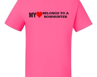 "Hunting Decal /""My heart belongs to a bowhunter/"""