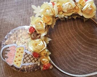 Ice cream minnie mouse hair bow on headband. Ice cream bow. Disney Glitter hair bow. DisneyIce cream ears  Summer hair now. Glitter gold bow
