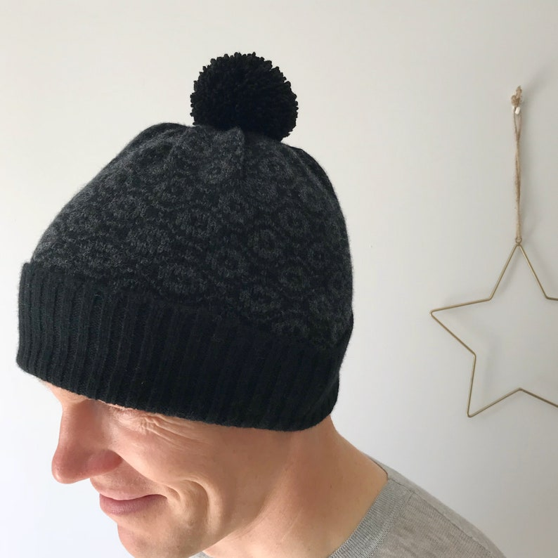d4d8e3a414aa7 Men s knitted bobble hat black bobble hat unisex bobble