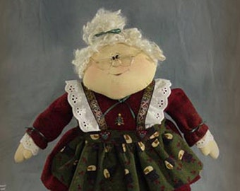 "Pattern: Sophie - 19"" Mrs Claus"