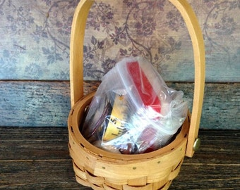 """Apak: Beeatrice - 19"""" Quilting Bee Accessory pack"""